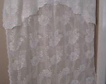 ferienhaus chic vintage lace gardinen mit angeschlossenen vanence franz sisch land wei en. Black Bedroom Furniture Sets. Home Design Ideas