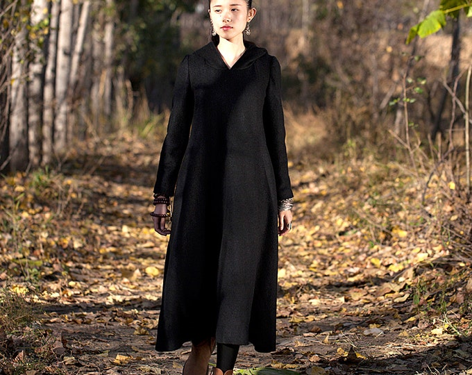 Long wool hooded dress - Dress classic fall/winter - V neck - Long sleeves dress - Made to order