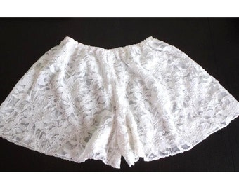 Floral White Lace Shorts