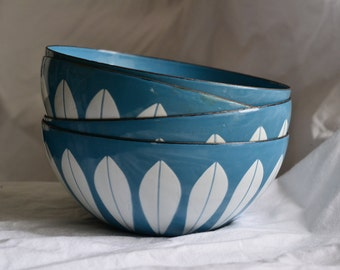 ONE (1) Cathrineholm Lotus Bowl Catherine Holm Blue Lotus Bowl 5.5 Inch Small Cereal Serving Bowl Blue White Enamel Enamelware 8 Available