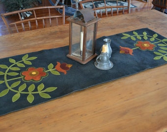Primitive Wool Penny Rug e-Pattern Runner Bleeding Heart Antique Two Runners Hand-Dyed Wool Flowers