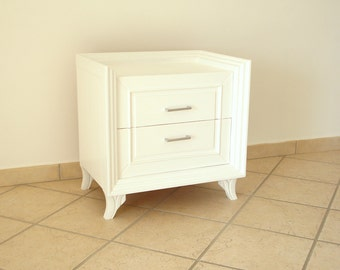 Bedside table lacquered in white