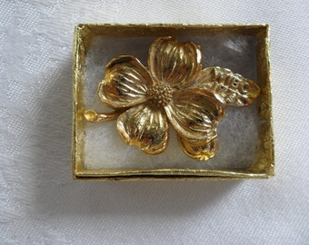 Bowling Jewelry 1971 WIBC Brooch Awards Dogwood Jewelry Gold Flower Brooch Made in USA Sports Jewelry American Made