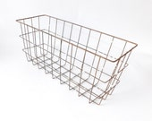 Industrial Rusty White Wire Basket Farmhouse Country Chic Shabby Decor Rectangle Storage Bin Metal Container Fruit Vegetable Bowl French