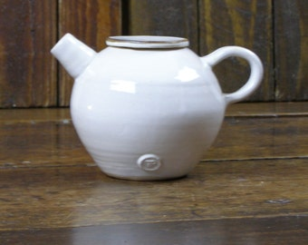 Teapot-Hand-thrown pottery