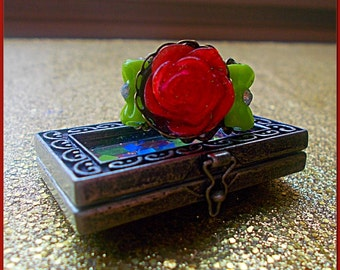 Red rose cabochon ring!