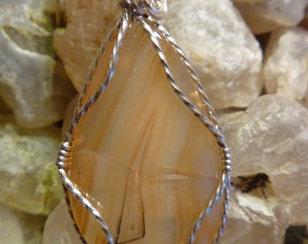 Sterling silver Montana moss agate pendant.