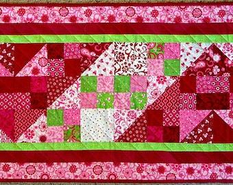 Pink and Green Valentine's Day Tablerunner