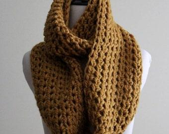 INFINITY SCARF, chunky knit scarf, mustard yellow scarf, chunky winter infinity scarf, 50 % wool, mustard yellow knit scarf, Cozy softness