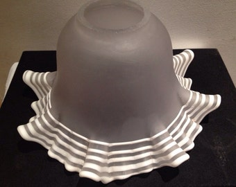 Original Art Deco Tulip Glass Lamp Shade / 1930' s