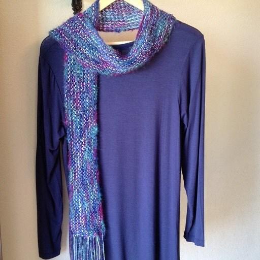 Stocking Stitch Knitting Patterns : Two-tone Scarf - a loom knit pattern