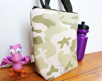 Insulated Lunch Bag / lunch Tote, Australian made, zipped, Waterproof lining – Medium or Large, Camo print