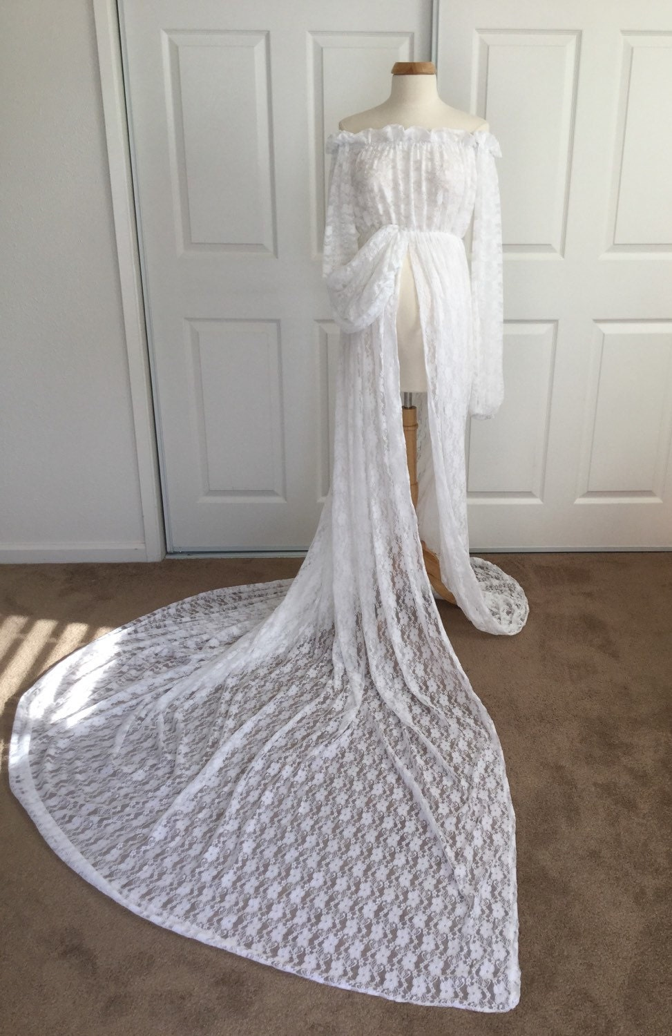 White lace maternity gown with lace fluffy long sleeves zoom ombrellifo Gallery