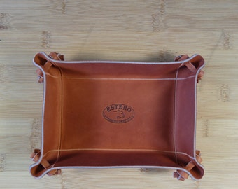 Hand Made PREMIUM  LEATHER SMALL  Valet tray, coin and key base,Dresser caddy,catch all. Dresser valet. car keys. .pocket change tray