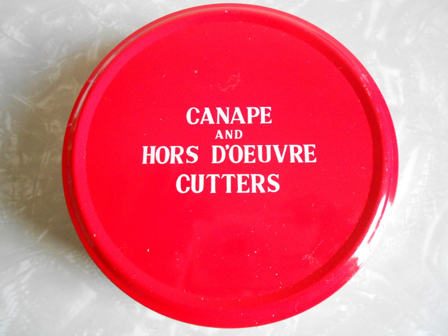 Vintage canape and hors d 39 oeuvre cutters for Canape hors d oeuvres difference