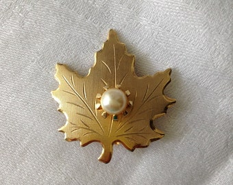 Vintage Gold Maple Leaf Brooch with Pearl Center