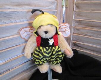 Muffy bear  A taste of Honey