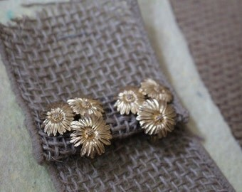 Vintage Monet Three Aster Floral Design Gold Tone Clip On Earrings