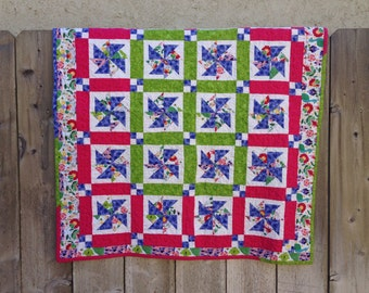 Patchwork baby quilt - Baby girl floral quilt - Baby girl minky quilt - Cotton baby girl flower quilt