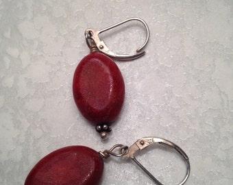 Coral Earrings / Vintage Earrings / Dangle Earrings / Sterling Silver Earrings (Item#EE97)