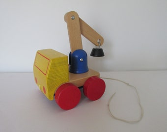 Wooden Tow Truck with Magnet Pull Toy