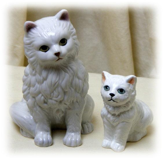 MOMMA CAT & BABY