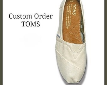 Custom TOMS, Hand Painted Shoes, Painted TOMS, Boho Shoes, Custom Toms, Toms Painted, Slip-ons Custom, Toms Shoe, Football Shoes, Fan Art