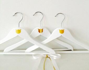 White Kid hangers - Golden cat head (3)