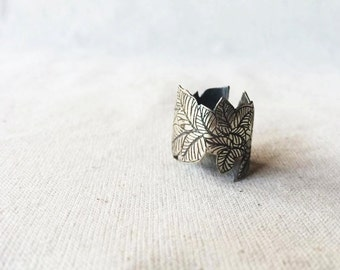 Etched Leaf - Sterling Silver Ring