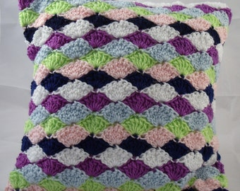 Shell Pattern Crochet Cushion