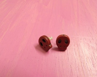 Skull red earring studs