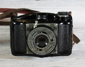 Vintage Pionyr Camera, Bakelite Camera Made in Czechoslovakia, Retro Photo, Mid Century Camera