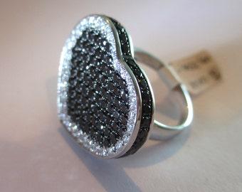 18K Black & White Diamonds Ring