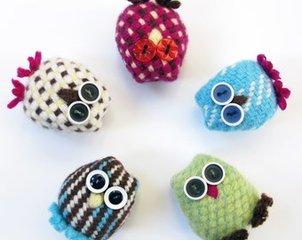 Hand woven owl brooches.