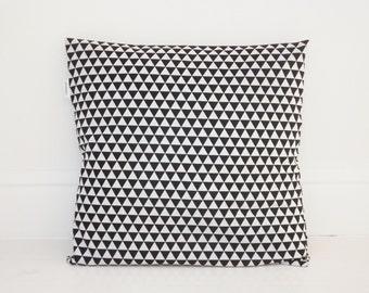 Pillowcase/cushion small triangles