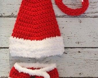 Newborn Christmas Long Tail Santa hat and diaper cover - Newborn photography prop, crochet newborn hat and diaper cover