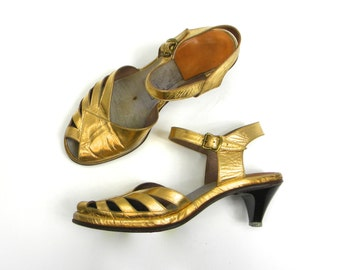 40s Size 5 Gold Leather Peep-Toe Pumps |  Metallic Dancing Shoes 40s | Village Girl, Hollywood