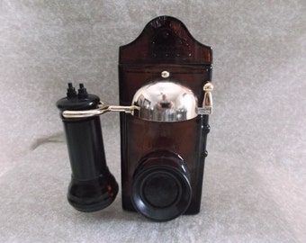 Vintage Avon Calling 1905 Telephone Decanter Bottle Spicy Aftershave/Talc FULL