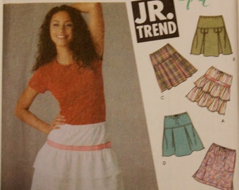 2004 UNCUT Sewing Pattern, SIMPLICITY 5101. US Size 12-16. 8 Variations of Skirt.