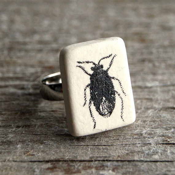 Insect print semi porcelain adjustable ring