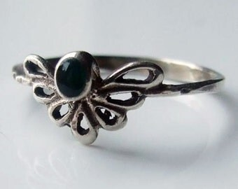 Vintage 925 Sterling Silver Green Onyx Ring Size 8 1/4 - Q