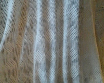 Gorgeous Hand Crocheted Full Bed Spread.Simple Crocheted Squares..White..