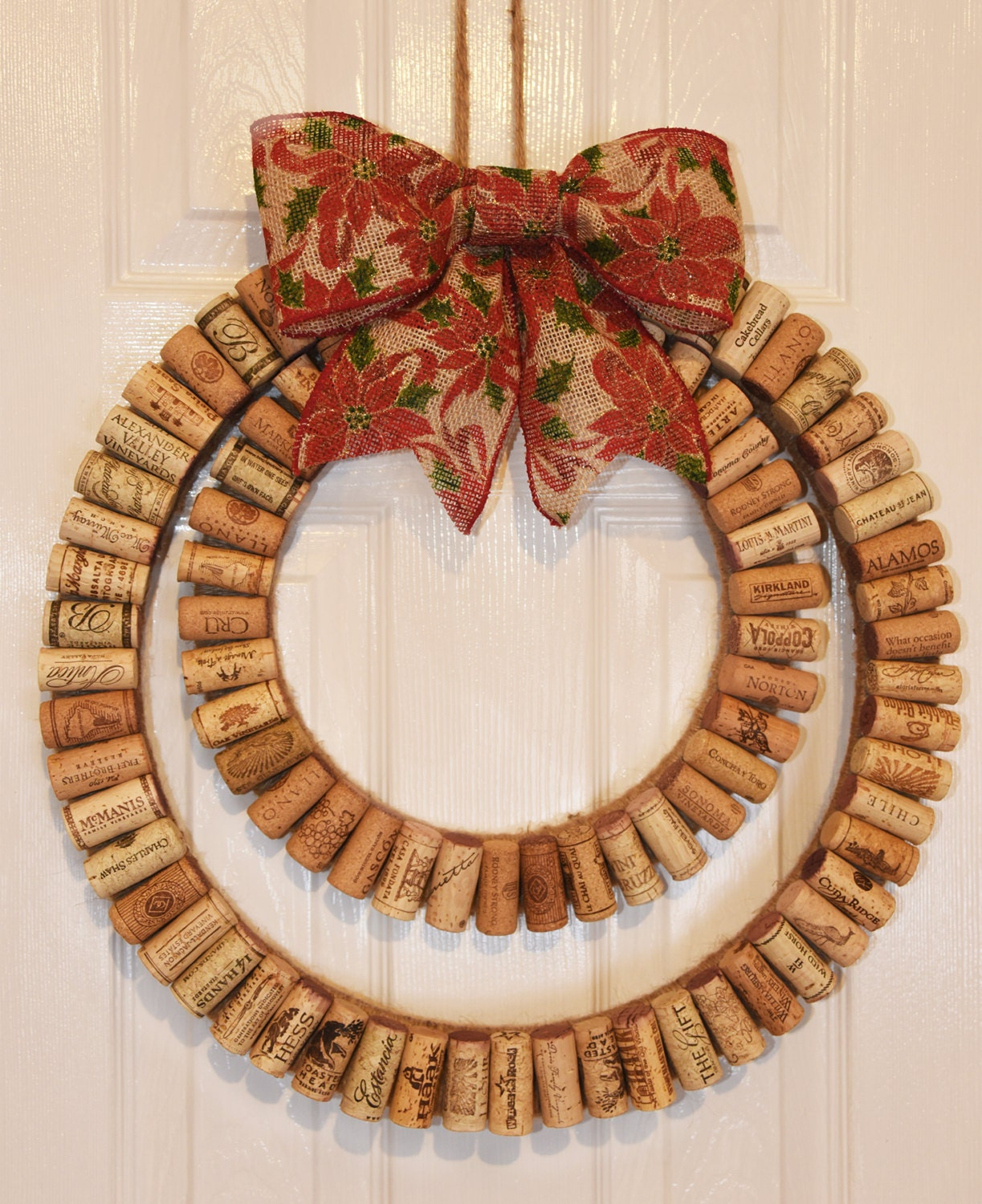 Wine cork wreath modern wine cork wreath with rustic - Awesome christmas wreath with homemade style ...