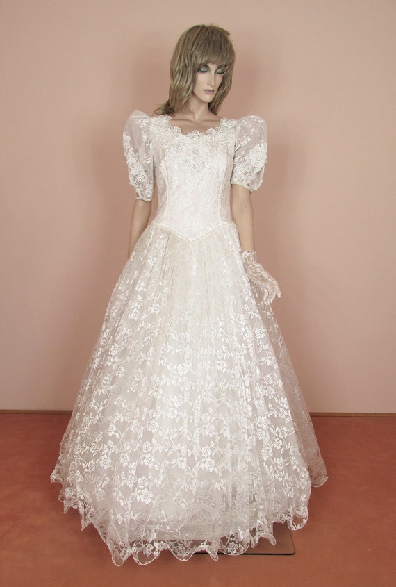 Romantic white wedding dress 70s cinderella princess style for 70s inspired wedding dress