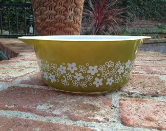 Pyrex Spring Blossom Casserole Dish 2.5 Quart Olive Green 475 Vintage
