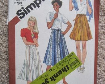UNCUT Misses Skirt - Simplicity Pattern 5480 - Vintage 1982