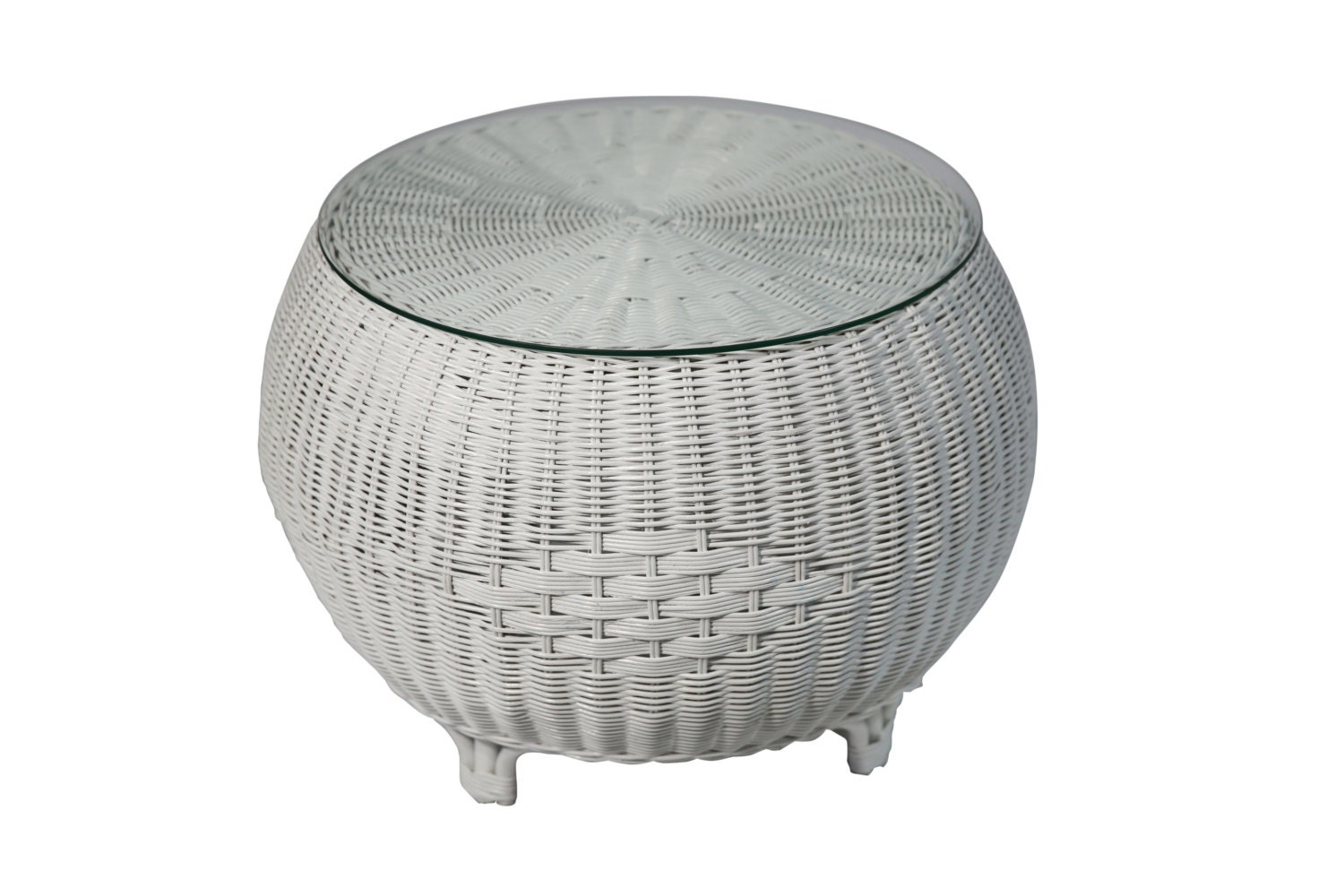 Rattan round coffee table in white White wicker coffee table