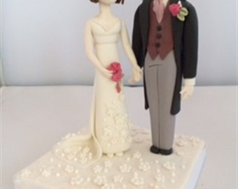 Beautiful fondant bride and groom wedding cake topper