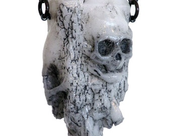Bifacial skull crystal pendant - white