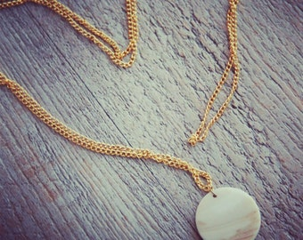 Back To Basics collection - Necklace gold and mother of Pearl